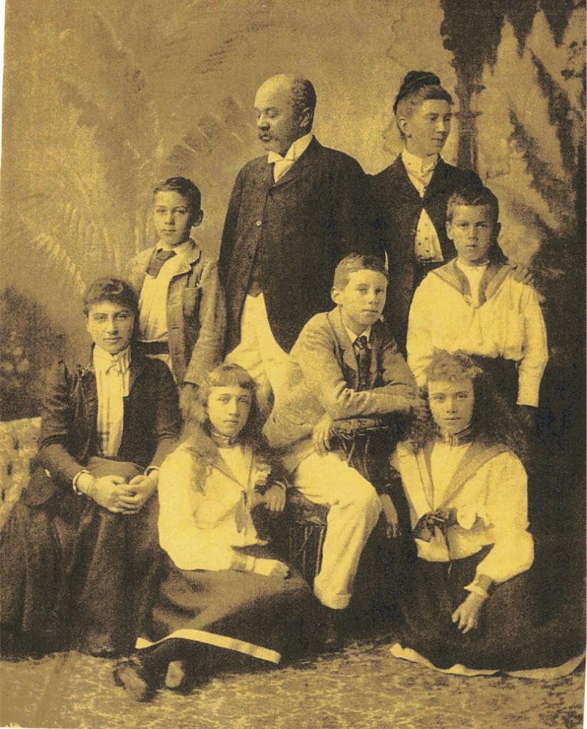 Margaret and Henry Sewell and their  children Alice, Percy, Beatrice, Nesta,  Arthur and  Horace